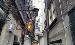 London's Alleys: Swedeland Court, EC2