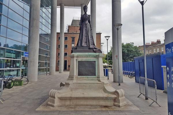 Statue of Queen Alexandra in Whitechapel