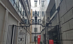 London's Alleys: St Benet's Place, EC3