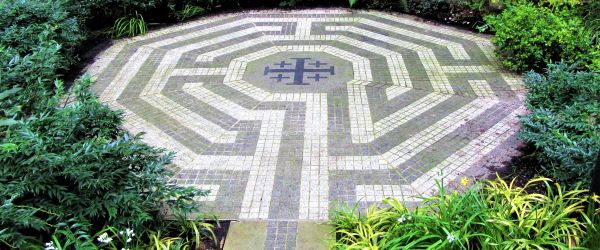 Labyrinths around the World and in London