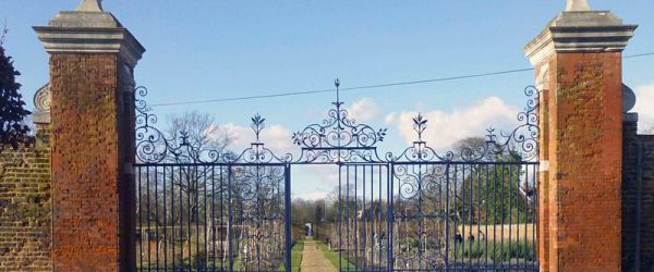 A History of the Walled Gardens of Chiswick House