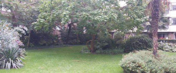 Visit a garden - Hyde Park Estate Gardens (Paddington)