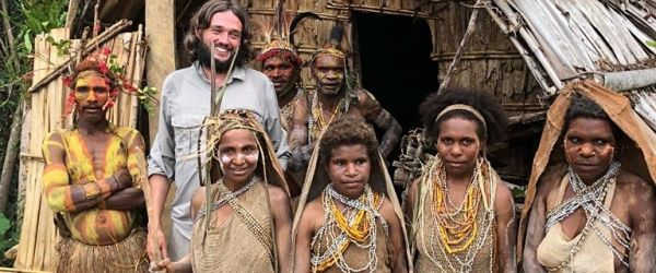 Fairy Tales from Papua New Guinea - Zoom Bedtime Stories from Viktor Wynd