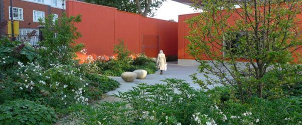 Visit a garden - Maggie's (Sutton)