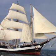 Sall sailing ship to pass through Tower Bridge